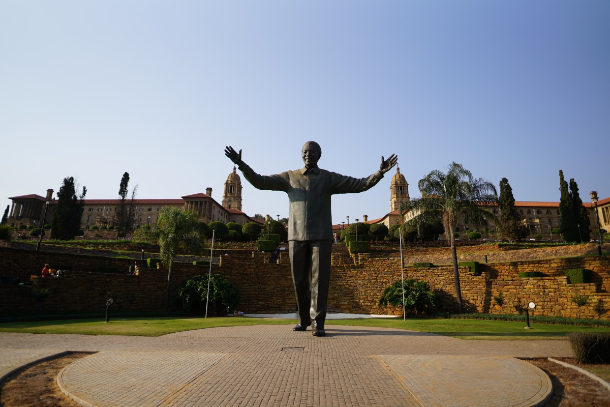 Mandela-Statue vor den Union Buildings in Pretoria